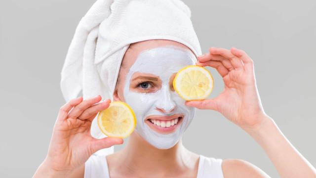 Aprenda a fazer uma máscara de rosto caseira para cada tipo de pele