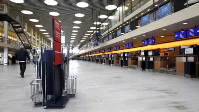 Aeroporto de Copenhague evacuado após incidente