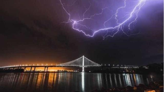 São Francisco é atingida por 800 raios em poucas horas