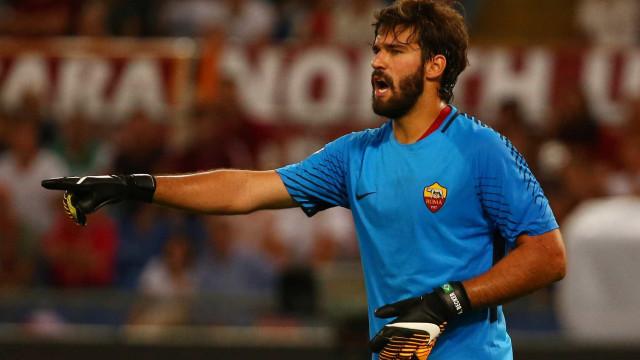 Jornais europeus elogiam atuação de Alisson na Liga dos Campeões