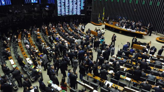 Câmara fica em compasso de espera pela segunda denúncia contra Temer