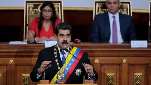 Maduro anuncia retomada de diálogo entre governo e oposição