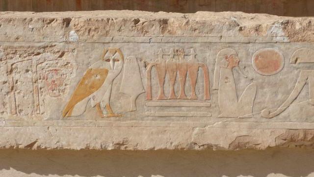 Cientistas descobrem tesouro arqueológico em tumba do antigo Egito