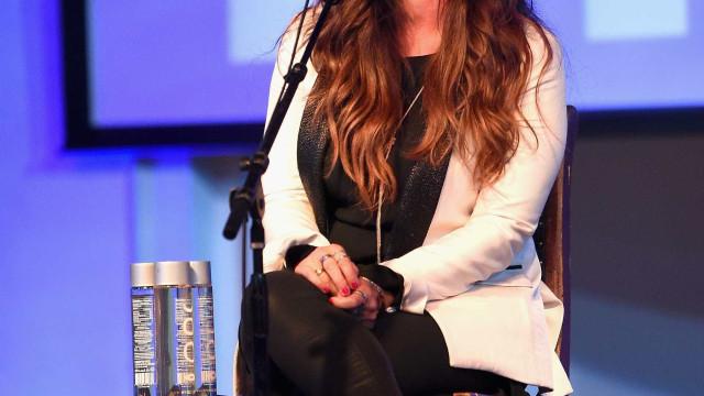 Alanis Morissette revela que sofreu de depressão pós-parto