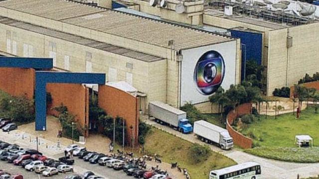 Funcionários da Globo são assaltados com fuzis na porta da emissora