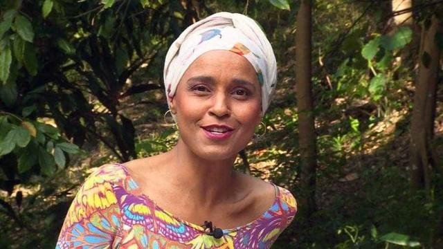 Ex-Cheiro de Amor fala sobre perda de cabelo: 'É torturante'
