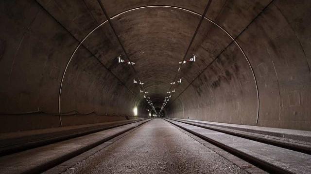 Quadrilha assalta motoristas no túnel Rebouças