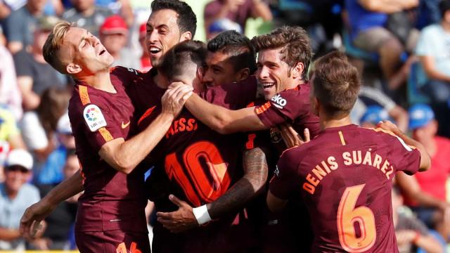 Barcelona leva susto contra Getafe, mas vira com gol de Paulinho
