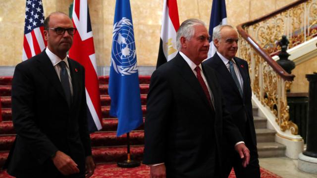 EUA pode continuar no Acordo de Paris, diz Rex Tillerson