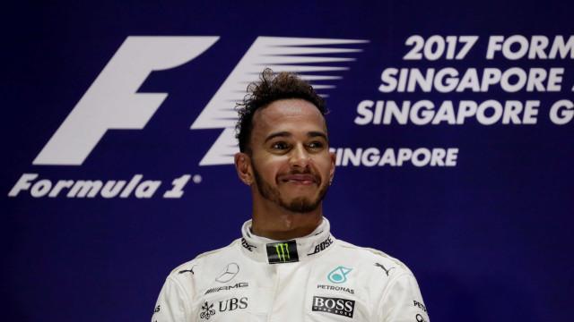 Hamilton revela que 'ouviu' Senna antes de vencer o GP de Cingapura