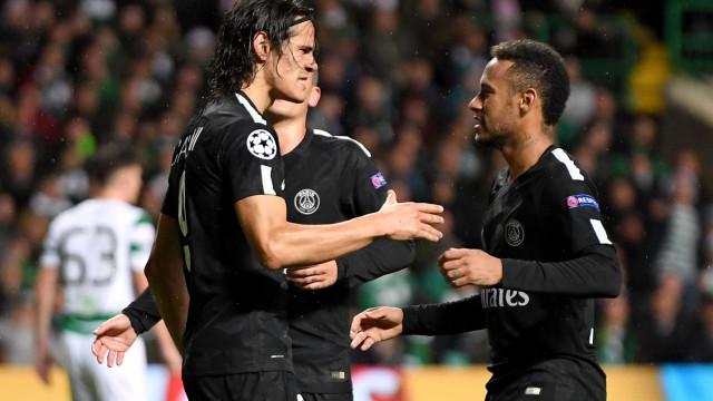 Neymar e Cavani se desentendem em vestiário após polêmica