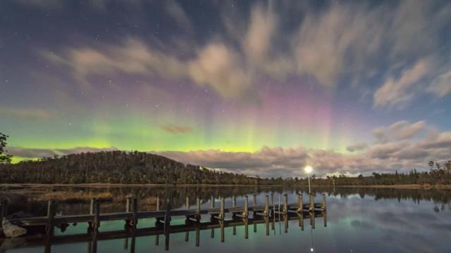Incrível aurora boreal é registrada em time-lapse