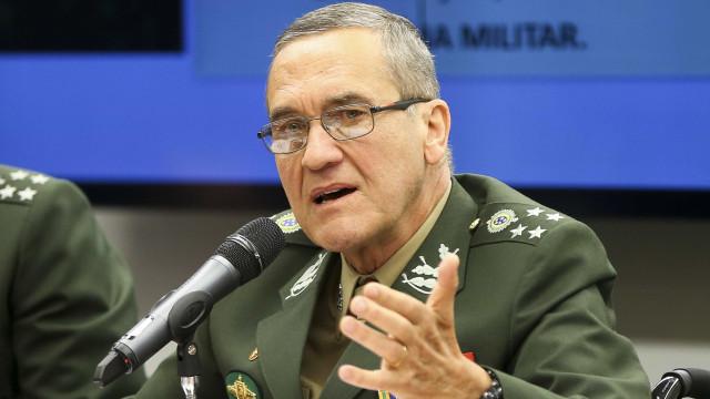 Morte aumenta importância da intervenção, diz comandante do Exército