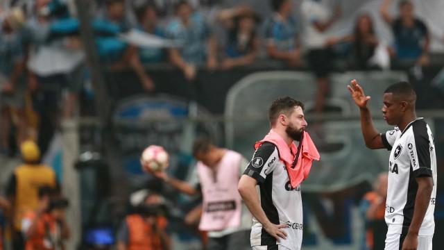 Falta de gols em decisões faz Bota emperrar em ano de bem com a torcida