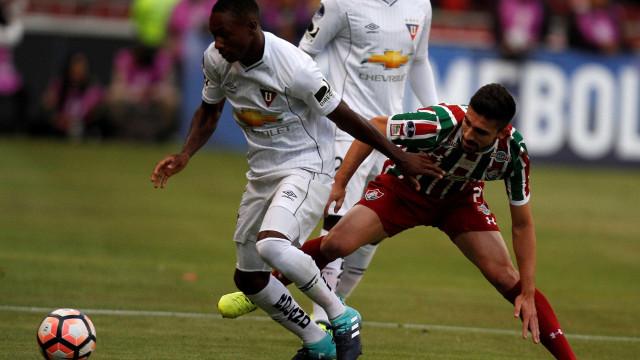 Fluminense perde para LDU, mas avança na Sul-Americana e pega Flamengo