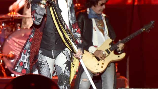 Aerosmith apresenta show vigoroso para público oscilante