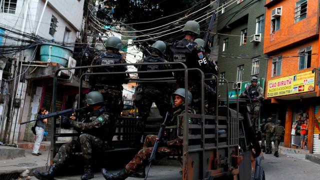 950 homens das Forças Armadas chegam à Rocinha