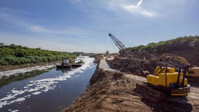 Mancha de poluição do rio Tietê tem leve diminuição, aponta ONG