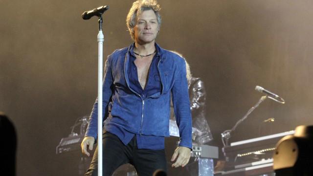 Jon Bon Jovi vende apartamento com 'prejuízo' para fugir de vizinhos