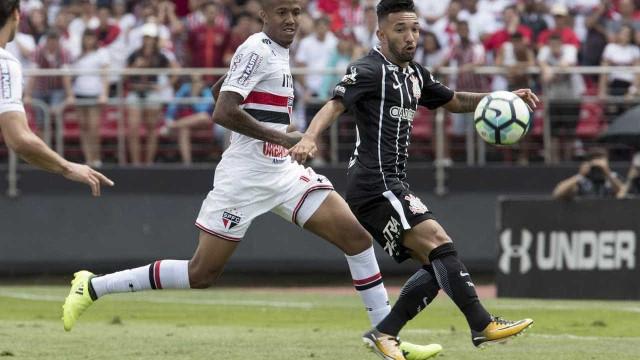 São Paulo abre o placar, mas cede empate para o líder Corinthians