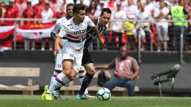 Petros fala sobre 'aula de futebol do São Paulo' e Jadson rebate