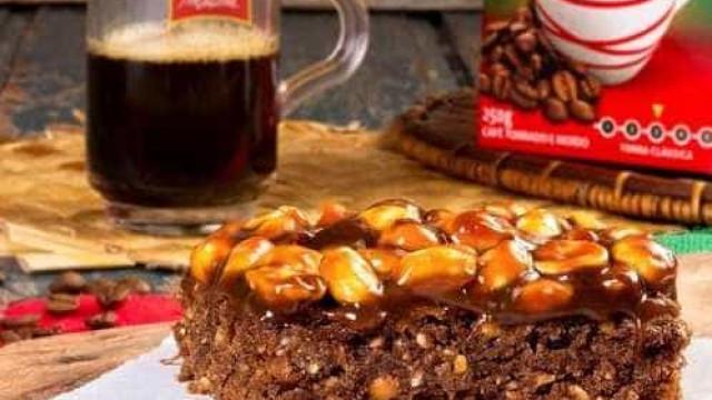 Brownie de café e pé de moleque é opção diferente para sobremesa