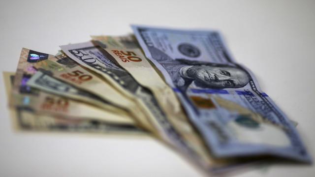 Câmbio para fim de 2017 sobe de R$ 3,15 para R$ 3,16