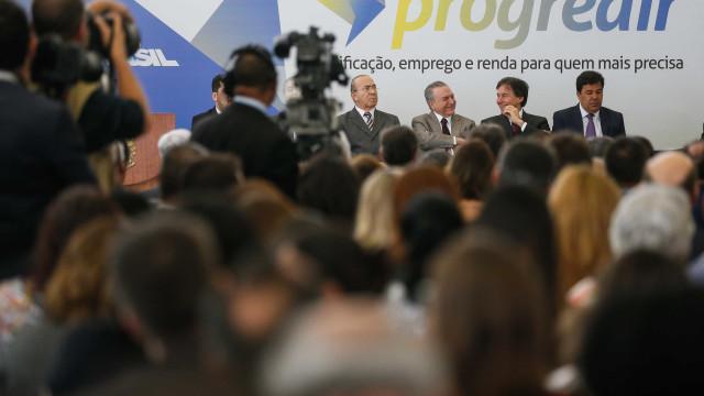 Governo anuncia R$ 3 bilhões para beneficiários do Bolsa Família