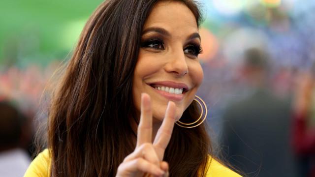Ivete Sangalo leva uma das gêmeas para estúdio e posta vídeo no Insta