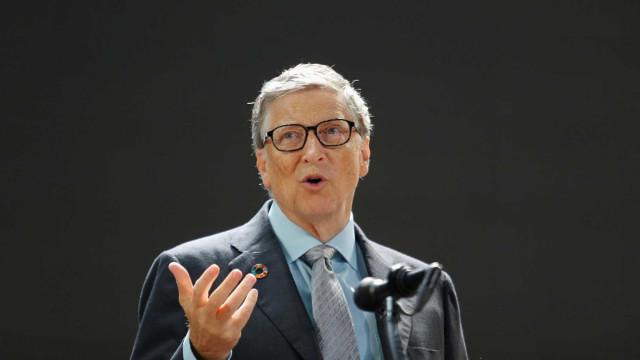 Bill Gates admite na TV que usa telefone com Android