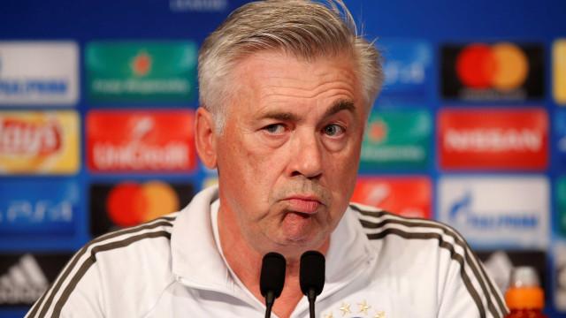 Bayern demite Ancelotti após derrota na Liga dos Campeões