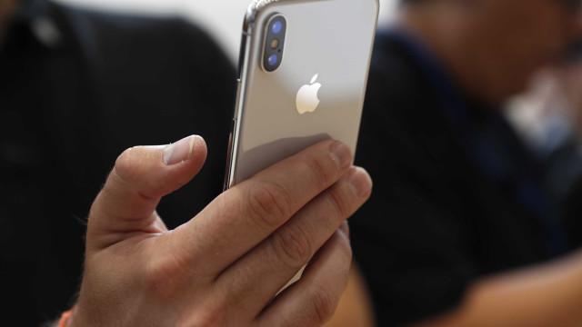 Compradores reclamam: novo iPhone X traz defeito na tela