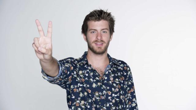 Destaque no The Voice em Portugal com MPB, cantor fecha turnê no Brasil