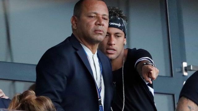 Pai de Neymar fala sobre polêmica do filho com Cavani