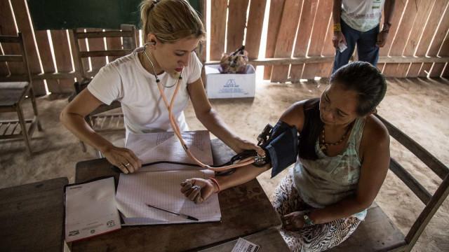 Governadores do Nordeste pedem manutenção do Mais Médicos a Bolsonaro