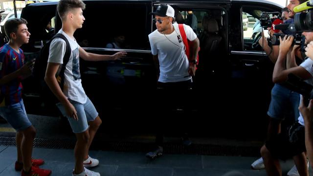Sem acordo, Barcelona mantém processo contra Neymar, diz jornal