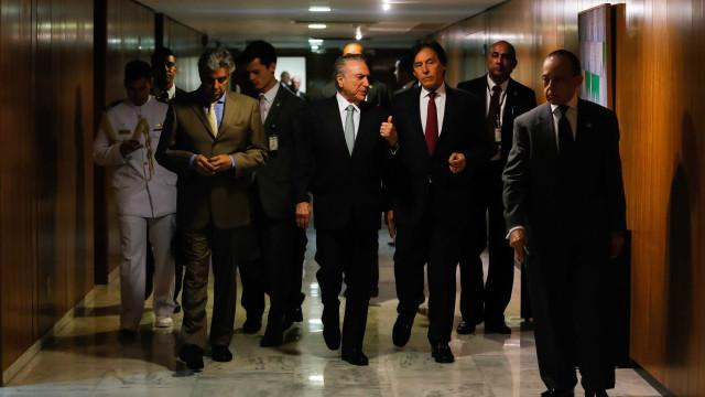 Advogado de Temer entrega defesa do presidente à CCJ da Câmara