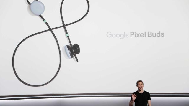 Fone de ouvido do Google consegue fazer tradução simultânea