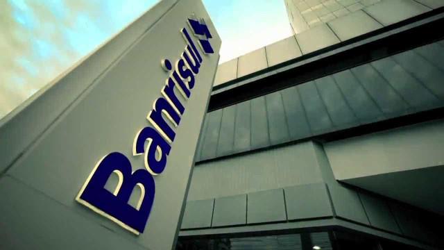 Governo do RS anuncia decisão de vender 49% das ações do Banrisul