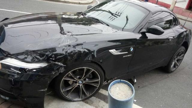 Jogador do Botafogo bate BMW a caminho do treino