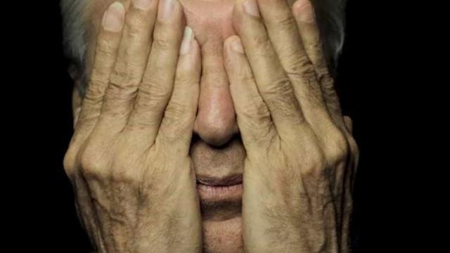 Caetano Veloso processa membros do MBL por acusação de pedofilia