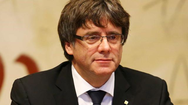 Líder da Catalunha afirma que região ganhou direito a ser independente