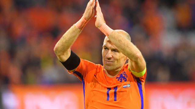 Fora da Copa, Robben anuncia aposentadoria da seleção holandesa