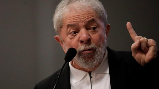 Em propaganda, PT diz que tentam impedir candidatura de Lula em 2018