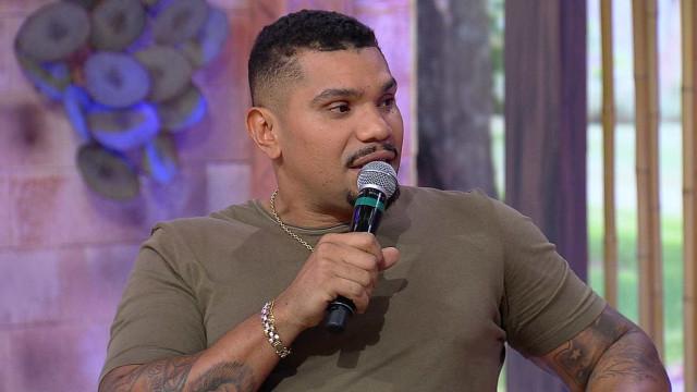 Naldo lamenta situação do RJ: 'Pessoas na favela não têm oportunidade'