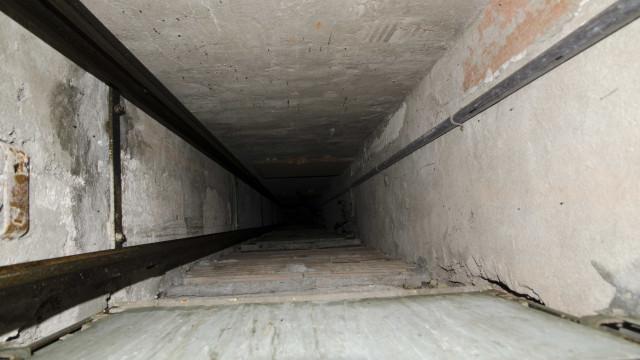 Idoso é resgatado 4 dias após cair em fosso de 7 metros em GO