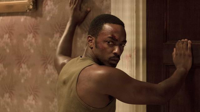 """""""Detroit"""" reconstrói conflito racial com ares de bomba-relógio"""