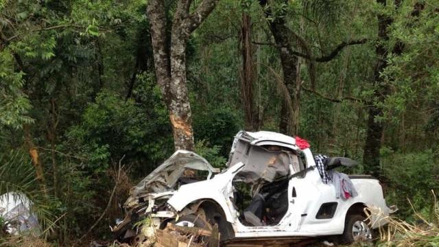 Acidente mata três jovens no Paraná