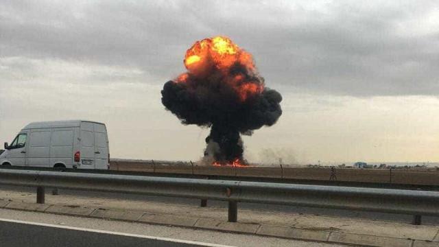 Avião cai em Madri e piloto morre na hora