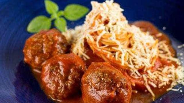 Dia da Massa: espaguete com almôndegas para comemorar